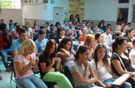 חינוך חברתי > טקס יום הזיכרון לרצח ראש הממשלה יצחק רבין